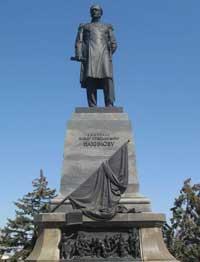 Памятник адмиралу П.С. Нахимову в Севастополе
